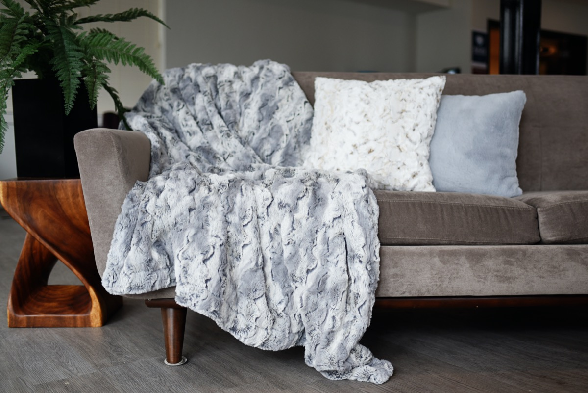 5 Most Important Things to Look For When Purchasing Minky Plush Fabric