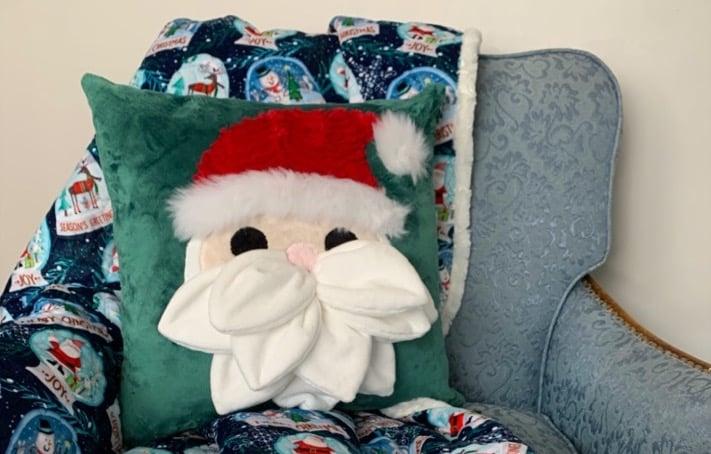 How to Sew a Santa-Themed Holiday Pillow (Petal Pop Santa Pattern Sewing Tutorial)