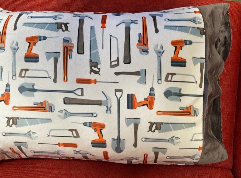 How to sew a pillowcase (free pillowcase pattern)
