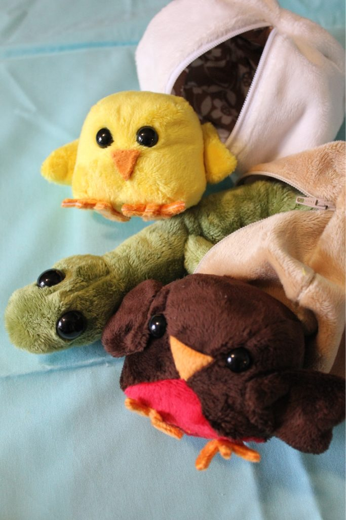 22 Sew Cuddle Cuddle Hatchlings full group vert
