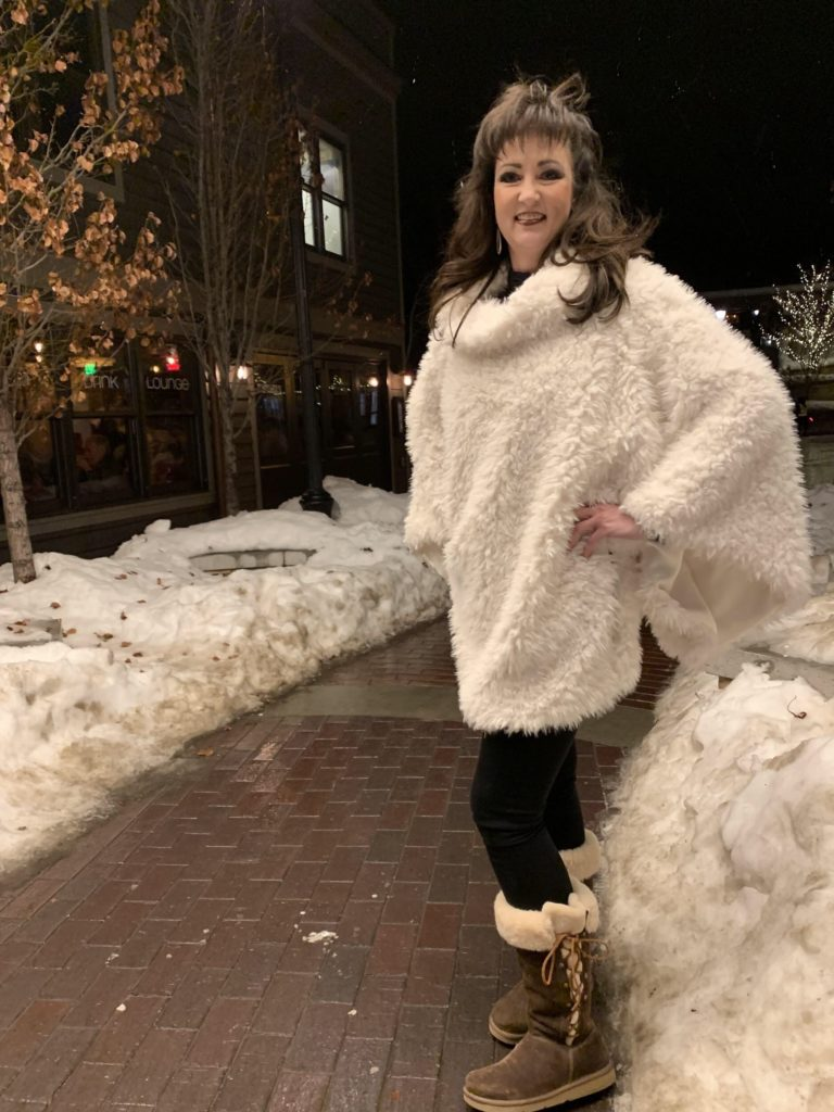 Luxe Cuddle Llama Poncho