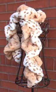 TwistyTwirlyScarf2