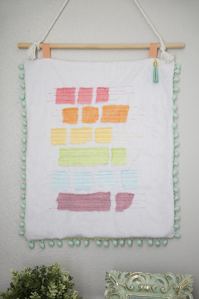 Wall Hanging in Embrace double gauze with Aurifil threads