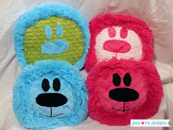 Cuddle lion pillows