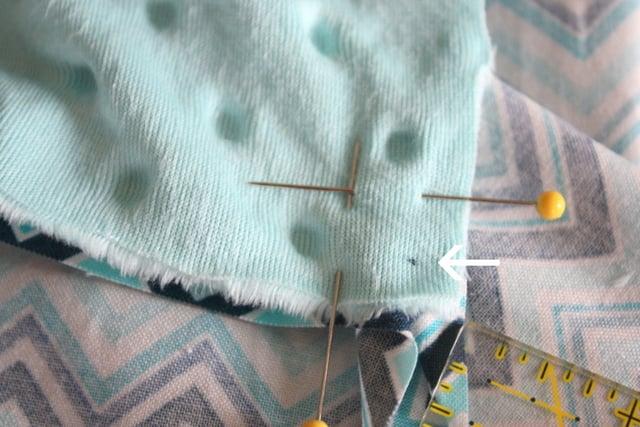 cuddle-mitered-baby-blanket-tutorial