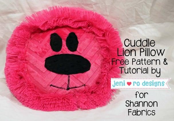 Cuddle lion pillow