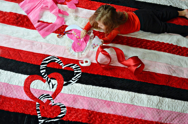 Valentine Hearts Cuddle Quilt