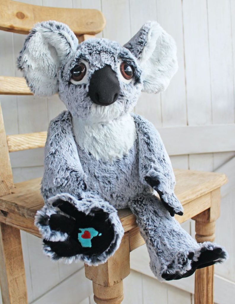 Rustic Horseshoe koala sample w/ Shannon Fabrics fabric