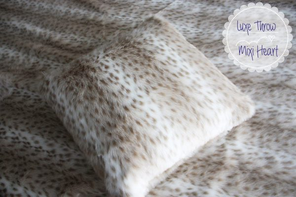 Faux Fur Pillow Cover Tutorial